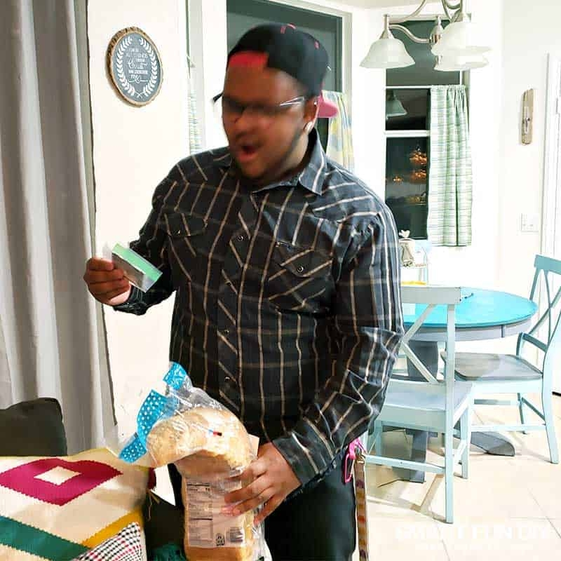 Keelan-reacts-to-bread-money-gift-idea-4