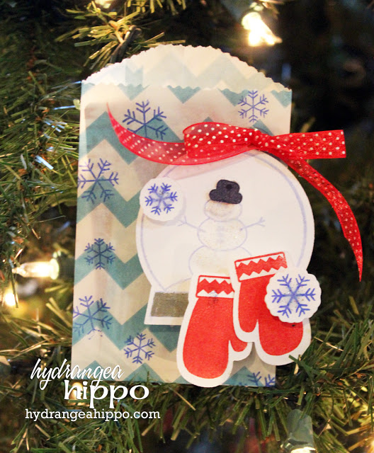 Glassine Bag made into gift card holder #SmartFunDIy #Giftcards #GiftWrap #CardMaking #paperCrafts