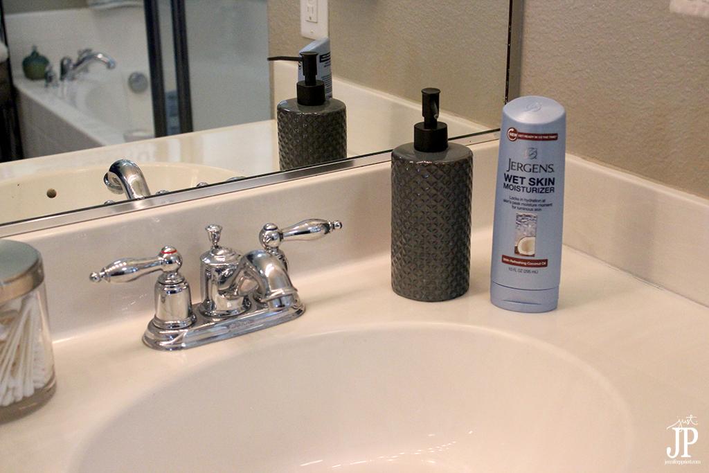 Keep Jergens Wet Skin Moisturizer by the Sink - Jpriest
