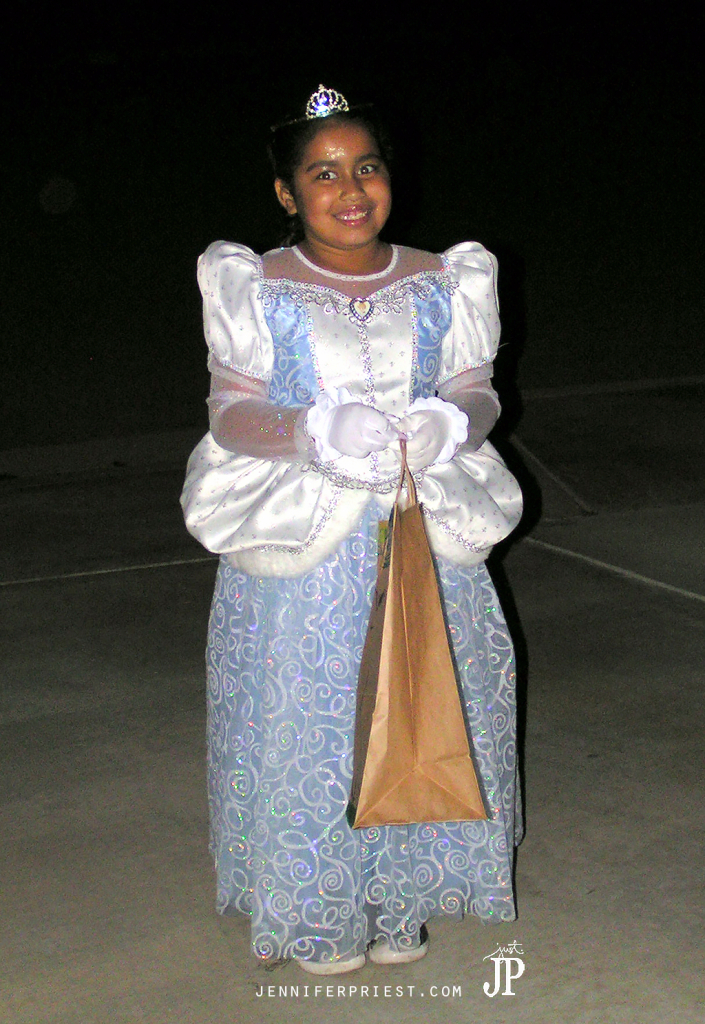10-31-06-Trick-or-Treating-(2)