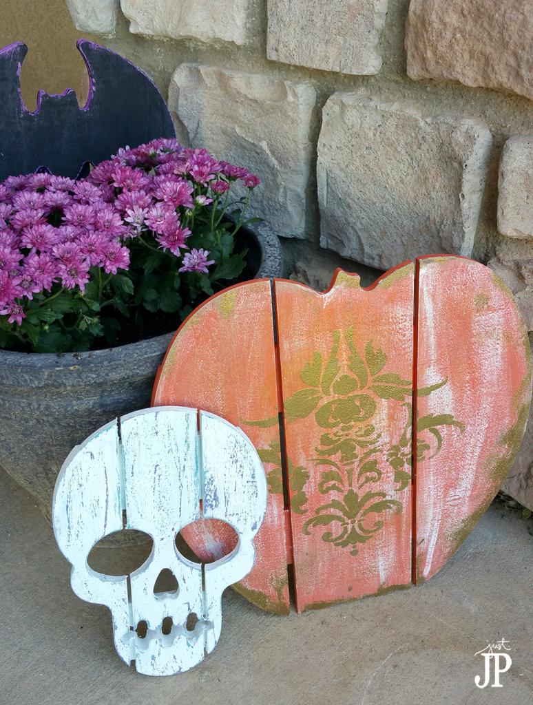 Bat-Skull-Pumpkin-Halloween-Yard-Signs-Walnut-Hollow-JPriest