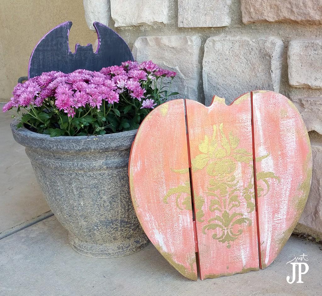 Bat-and-Pumpkin-Halloween-Yard-Signs-Walnut-Hollow-JPriest