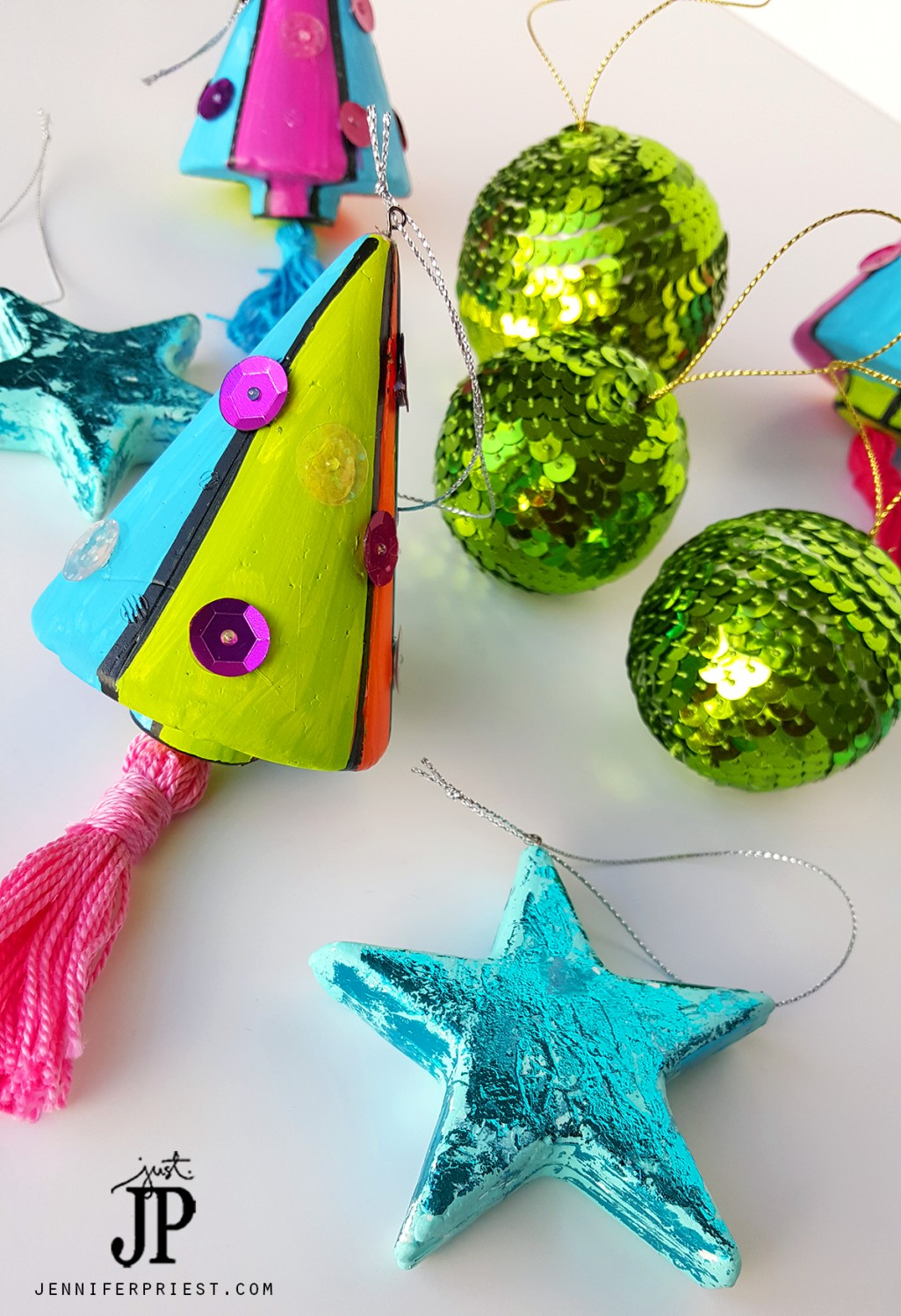 3 Easy Diy Storage Ideas For Small Kitchen: 3 Easy DIY Christmas Ornaments With Foam