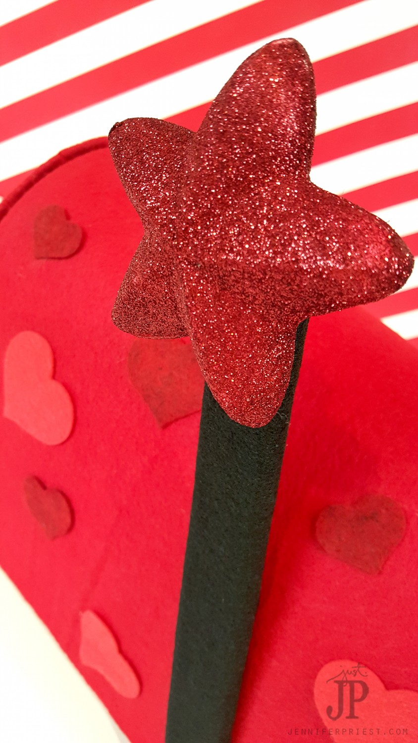 DIY-Valentine-Mailbox-with-Smoothfoam-Jennifer-Priest---DETAIL