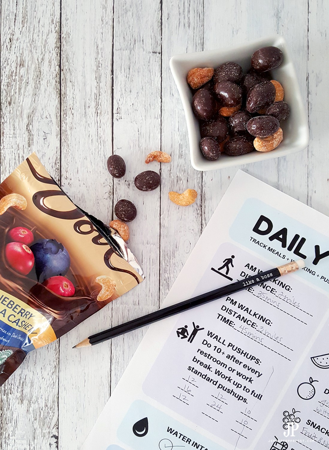 DOVE-Choclate-Fruit-and-Nut-as-smart-treat-JUSTJP