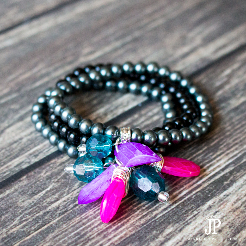 Dye your own beads with a solvent based ink. How to make this bangle and supply list - she shares it on this blog post! Perfect gift idea for teacher or bridesmaid