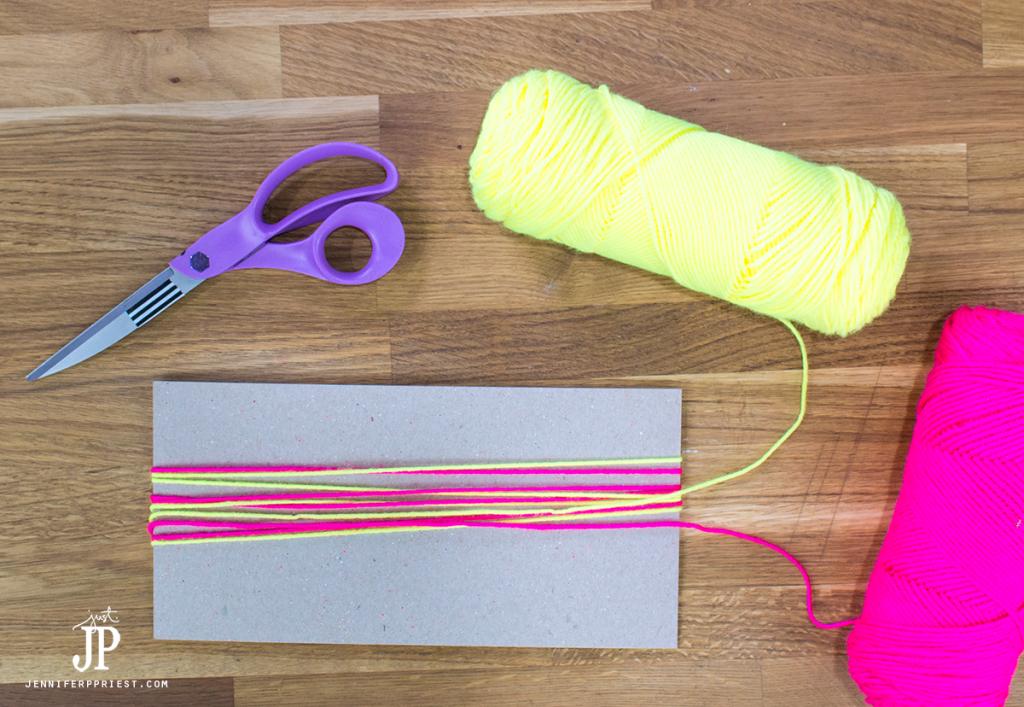 2---How-to-make-a-Yarn-Tassel-jenniferppriest