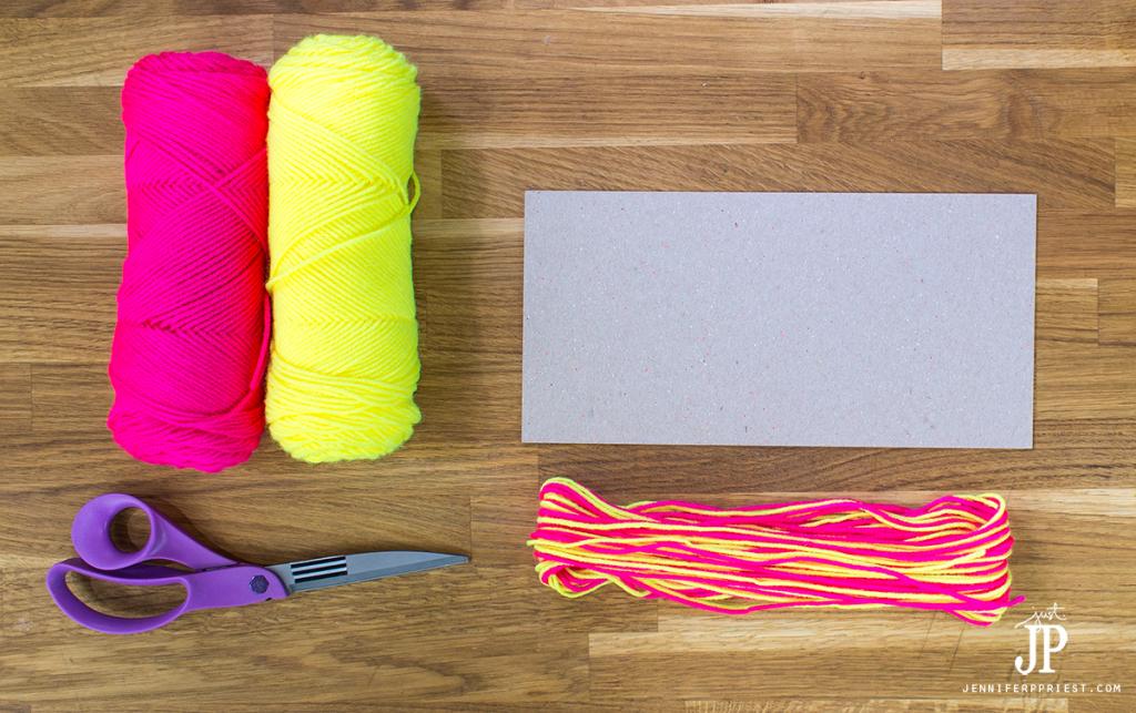 4---How-to-make-a-Yarn-Tassel-jenniferppriest