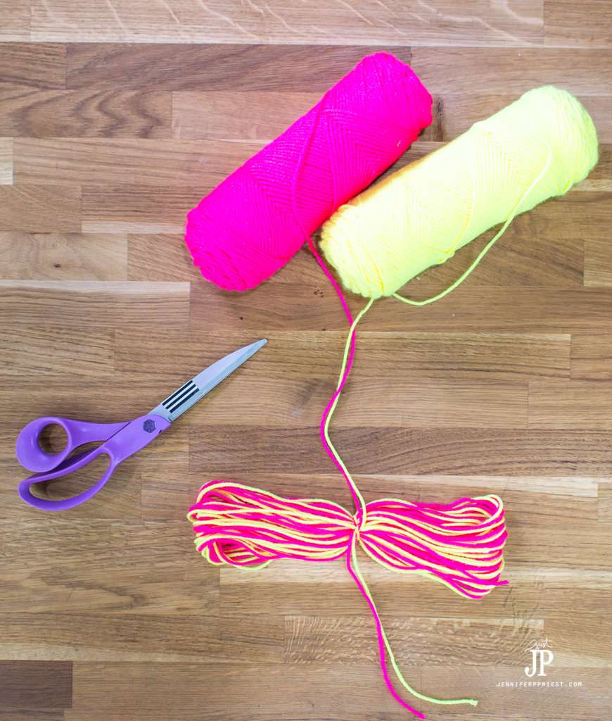 6---How-to-make-a-Yarn-Tassel-jenniferppriest
