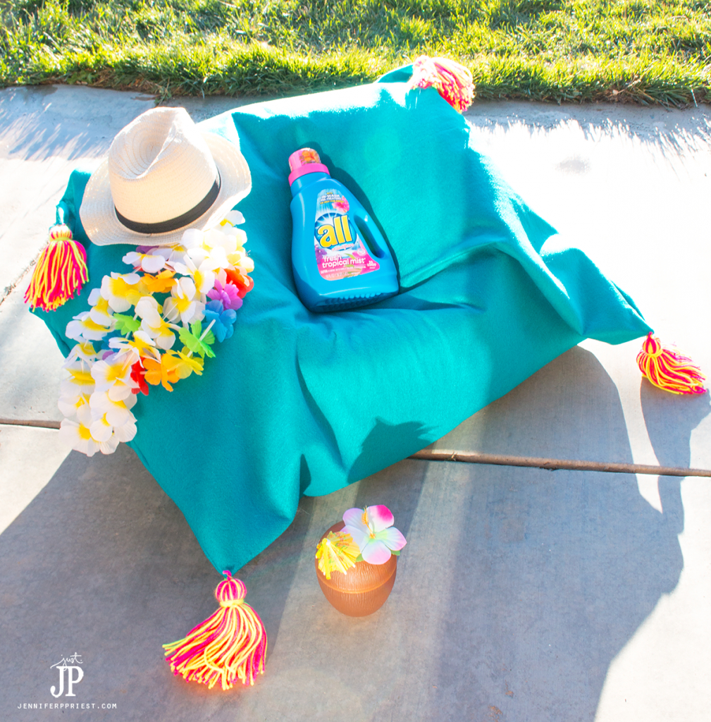 Make a DIY Bean Bag cover that you can wash, using felt! Wash it in NEW all Tropical Mist for a tropical experience!