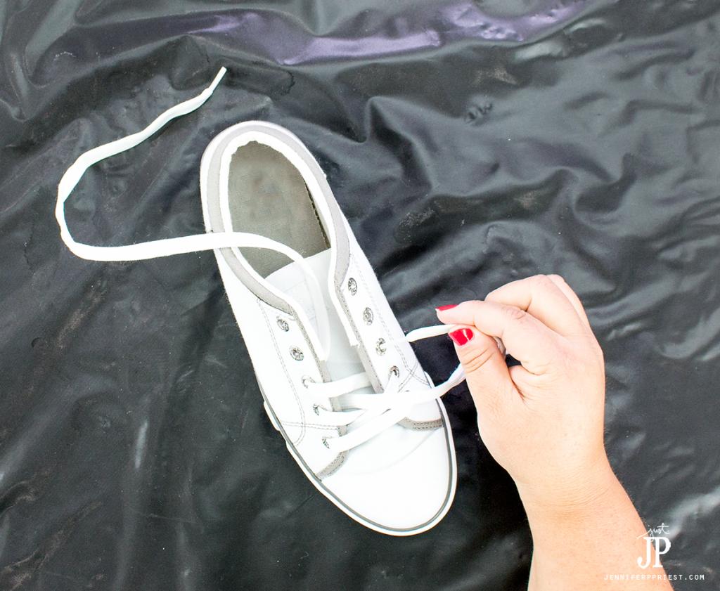 9-Scotchgard-on-white-shoes-to-protect-fabric-jenniferppriest