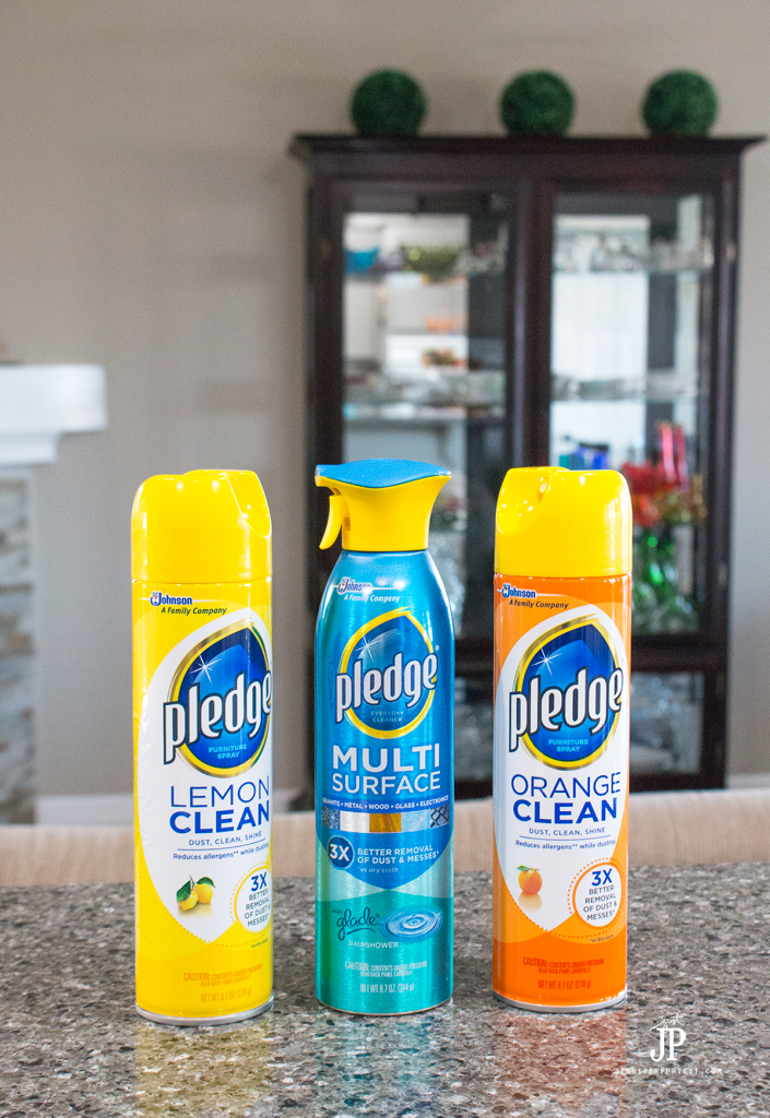 #PledgeReflectionOfYou [AD] How to clean: Curio Cabinet - curio cabinets can be modern and a source of pride in your home. See how to use Pledge® Multi Surface to clean curio cabinet by Jennifer Priest https://www.smartfundiy.com/how-to-clean-curio-cabinet/