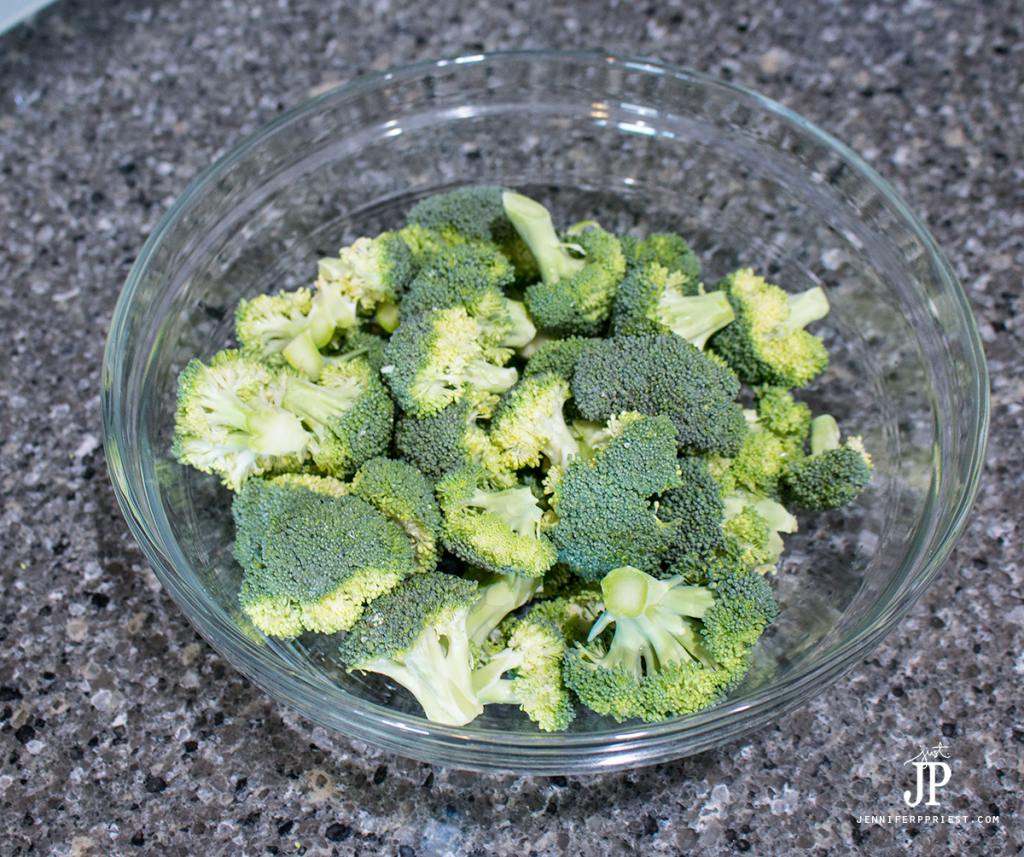 cut-and-wash-broccoli-florets-before-grilling-or-roasting-jenniferppriest