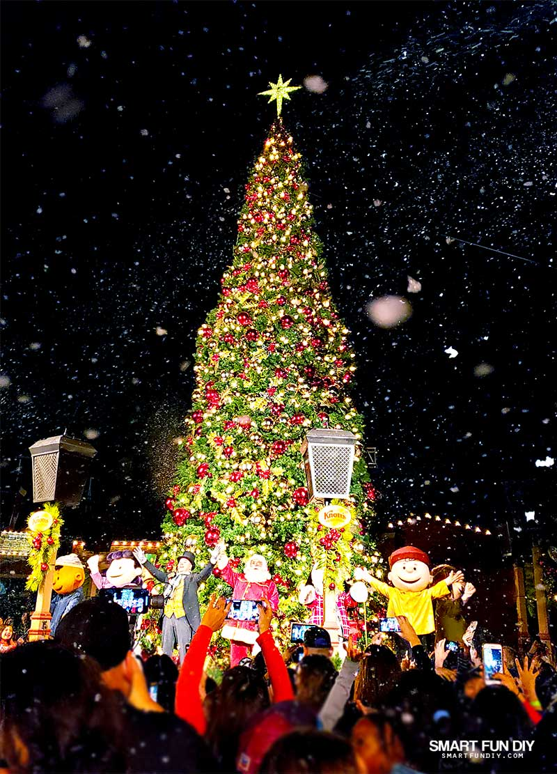 Knott\'s Merry Farm Christmas - BEST family Christmas theme park trip